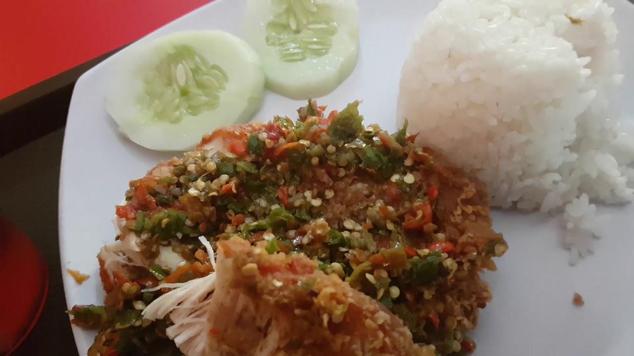Ayam Geprek Rocket Chicken Solo Indonesia Youtube