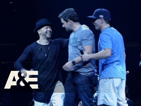 Wahlburgers: A Moment to Connect Season 4, Episode 4  A&E