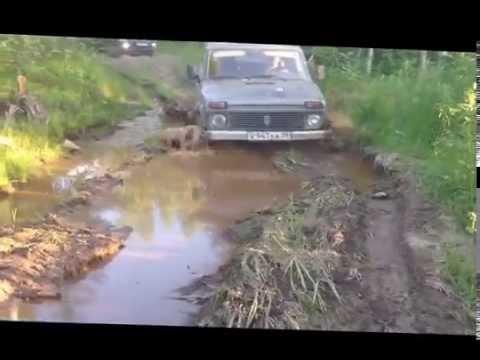 Гонки по грязи на тракторах, гонки на машинах и джипах по