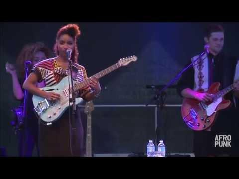 Lianne La Havas perform