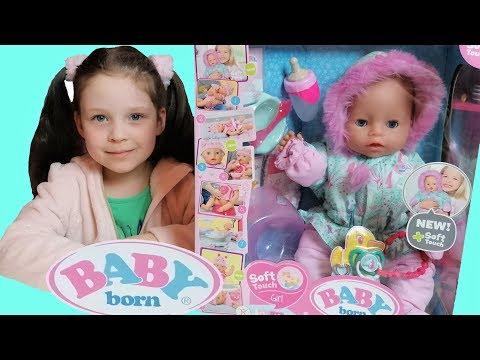 Babyborn Обзор Бебиборн Зимняя кукла новинка. Пупсик от Zapf Creations. Милана как мама кормит куклу