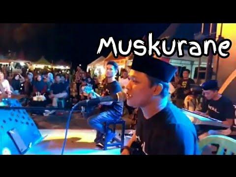 muskurane_arijit-singh-(vertical-band)
