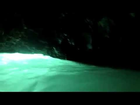 Samoas To-Sua Ocean Trench- secret cave swim