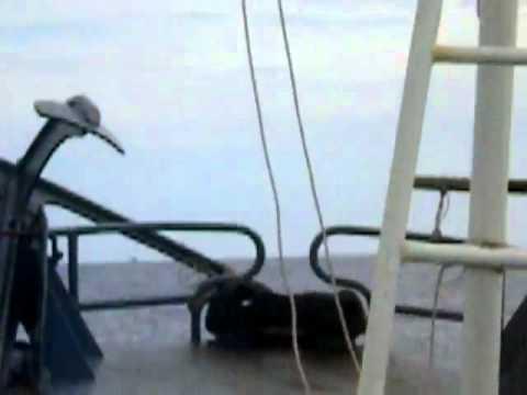 góc quay từ 1 tàu VN  khác về Tàu Việt Nam đuổi và đâm tàu Trung Quốc