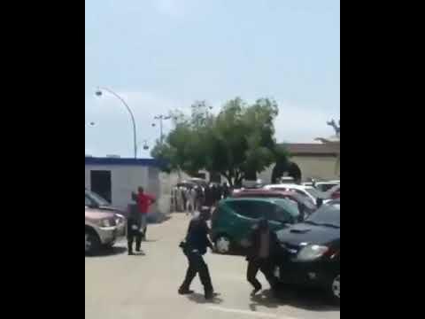 El presidente de Guinea golpea públicamente a un ministro por su gestión del coronavirus