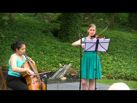 Traditional Hungarian folksong on violin and cello - Bartok