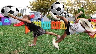 Elif Öykü ve Masal Komik Futbol Oynuyor! Learn Colors With Funny Football