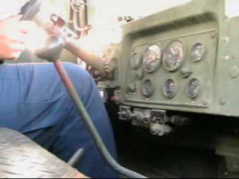 Video of all ways of shifting gears on an M 39 - G744 5-ton truck