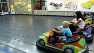 Парк аттракционов для детей. Детские аттракционы. Чикен Лэнд. Развлечения для детей.(, 2016-11-05T07:59:39.000Z)
