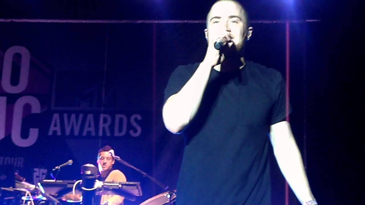 Mike Posner Bow Chicka Wow Wow Live Six Flags New England Youtube