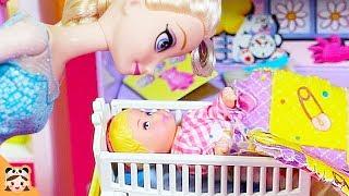 아기 돌보기 어려워 ! 핑크퐁 상어가족 인기 동요 아기인형 엄마놀이 소꿉놀이 겨울왕국 엘사 공주 인형놀이 드라마 장난감 놀이 Frozen Elsa Baby Sitter |보라미TV