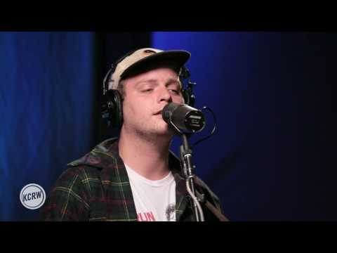 Mac DeMarco performing