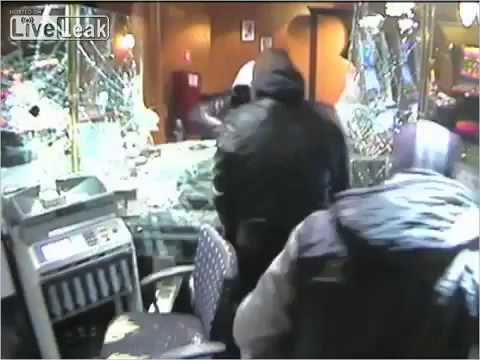 Robbery at Casino Caught on CCTV