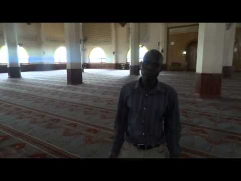 Mosque tour, Koran singing by amazing guide in Kampala, Uganda