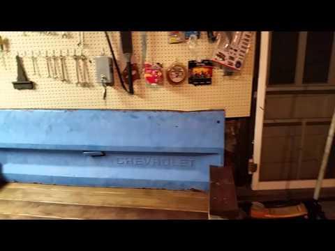Rustic Tailgate Bench DIY