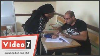 بالفيديو.. إقبال كثيف للسيدات على لجان مدرسة كفر حكيم الإعدادية بكرداسة