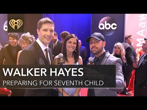 Walker Hayes Has 7 Kids!   CMA Red Carpet Interview