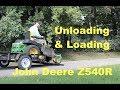 John Deere Z540R -  unloading & loading