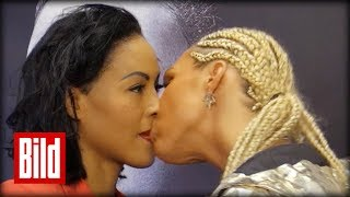 Boxerin küsst Boxerin - Knutsch-K.o. vorm Kampf