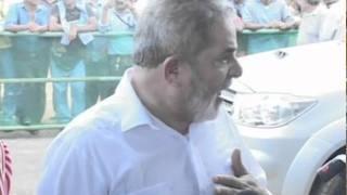 """Lula fica irritado com pergunta sobre Sarney e manda repórter """"se tratar"""" 30/11/2010"""