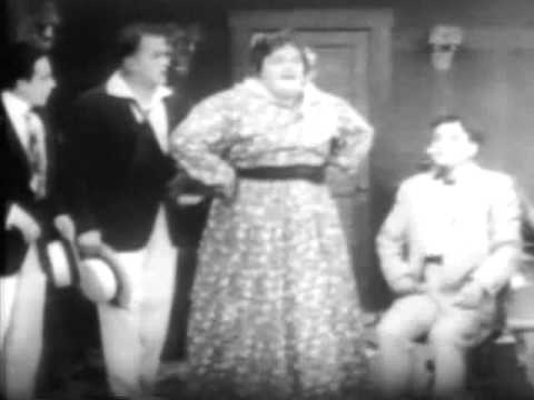1915 Roscoe Arbuckle, Harold Lloyd - Miss Fatty's Seaside Lovers