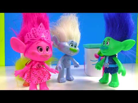 Trolls Movie Surprise Toy Blind Boxes! Slime, Candy Bath Bomb | Fizzy Toy Show