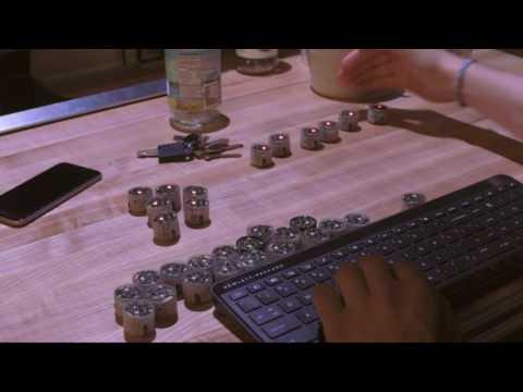 Рой маленьких роботов стал интерфейсом ввода-вывода