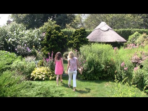 At Home with Liz Lange at Grey Gardens - YouTube