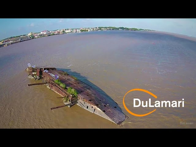 Drone flight: De Goslar in Suriname