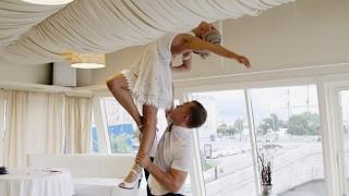 Шикарный свадебный танец с потрясающими поддержками!