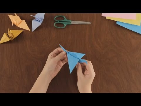 How to Make an Origami Flying Crane : Simple & Fun Origami ... - photo#5