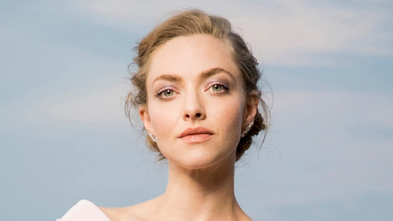 Amanda Seyfried Opens Up About 'Bizarre' Panic Attacks Caused by ...