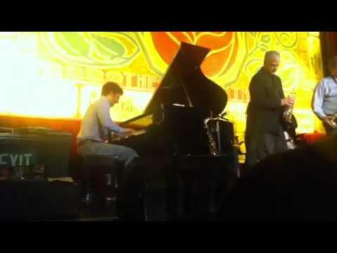 Jay Thomas and Benny Green.flv