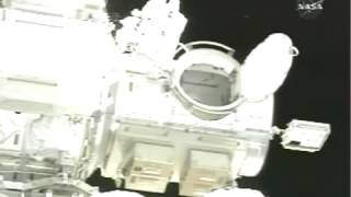 NASA bubbles in space STS 118 Spacewalk Releasing Water Particles   Plus Scuba Tank seen
