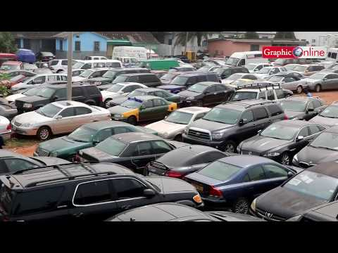 Customs impounds 300 vehicles; Owners evaded duties