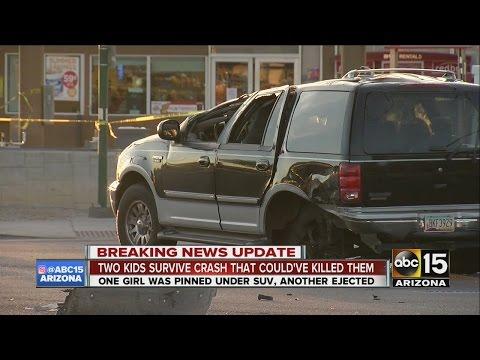 2 kids critical after crash in Phoenix