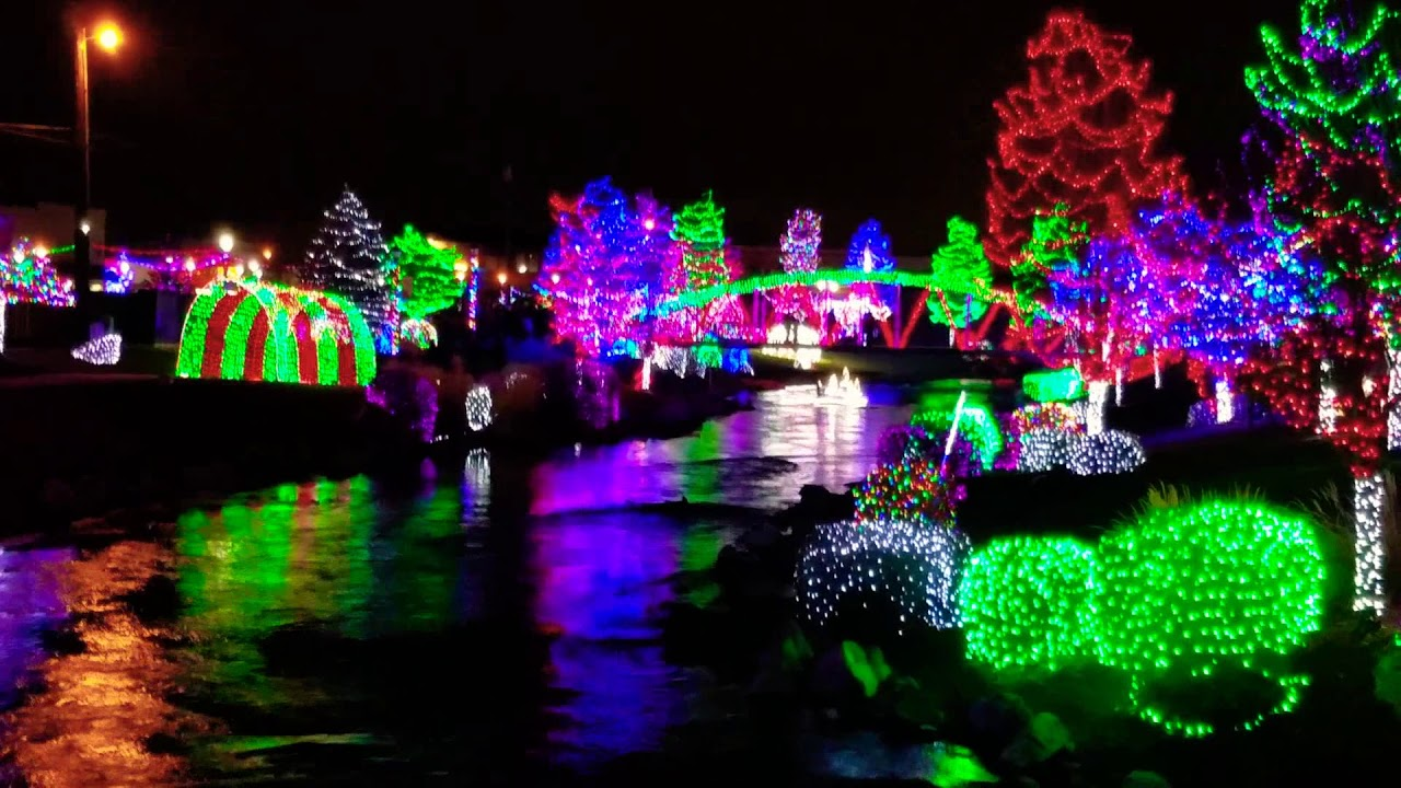 Christmas Lights~Indian Creek in Caldwell - YouTube