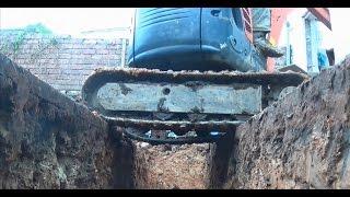 Digging a Foundation Using a Kubota U-10 Mini Digger in a Confined Area
