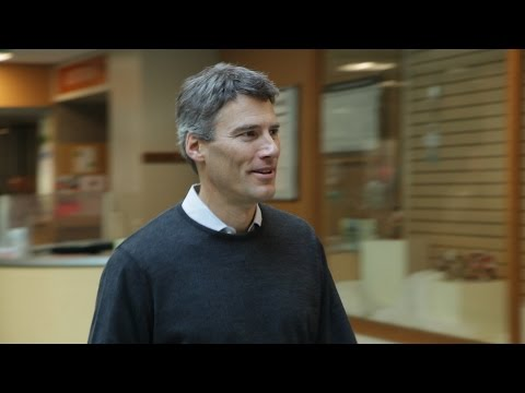 Mayor Gregor Robertson Votes!