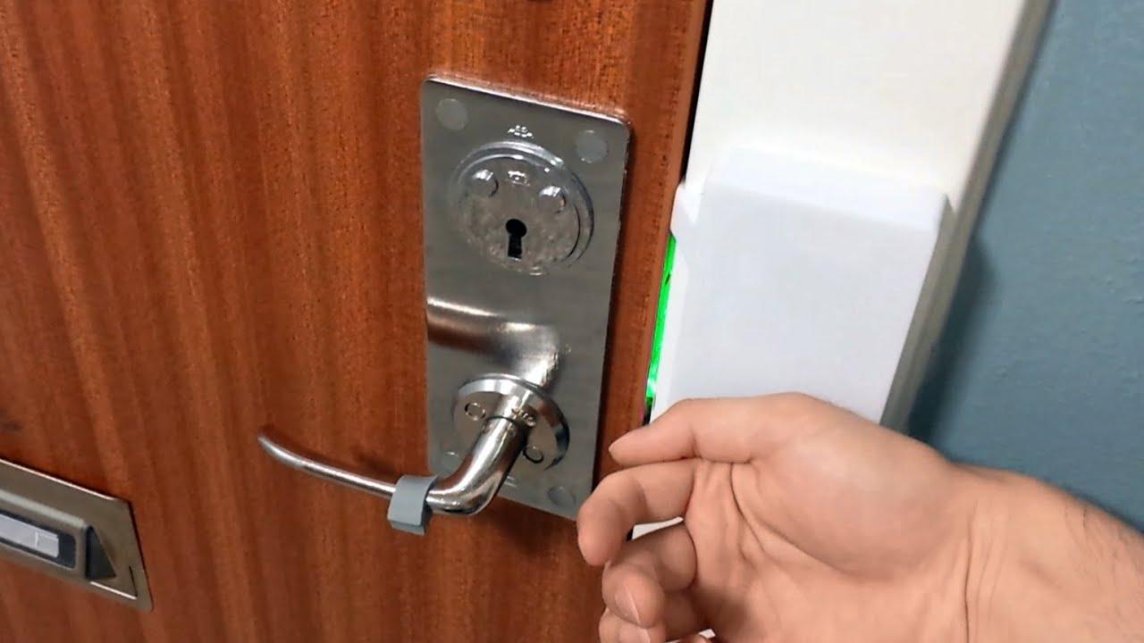 & Raspberry Pi RFID door lock + NFC chip implant - YouTube