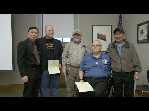 PHÓNG SỰ CỘNG ĐỒNG: Buổi hội luận phim The Vietnam War tại thư viên TP Portland