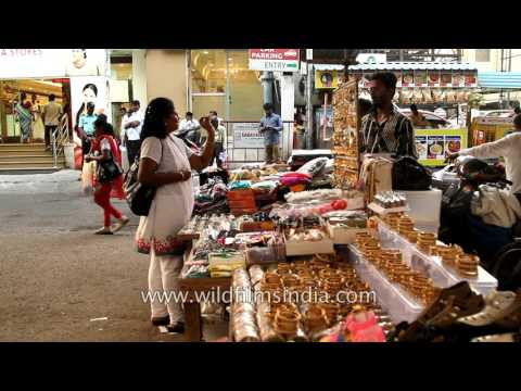 Get low priced artificial jewellery and accessories at roadside market at T Nagar in Chennai