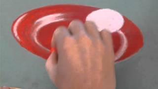 Рисуем яйцо на тарелке пастелью