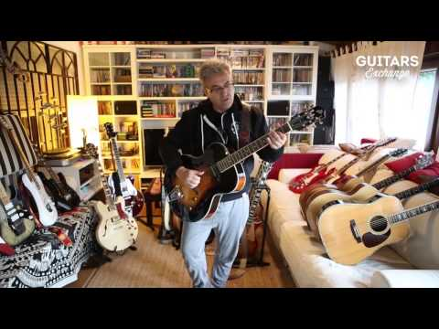 Rafa Gutiérrez (Hombres G) plays some notes on his The Loar guitar.