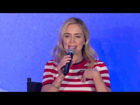 Interview: Emily Blunt Couldn't Get Through This 'Mary Poppins Returns' Song Mp3