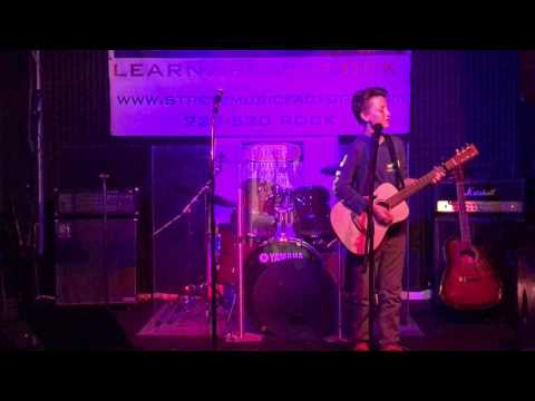 Chris performs Thinking Out Loud @ St. Pete Music Factory 4/24/17