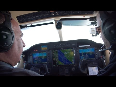 Landing TBM850 Turboprop - RNAV Approach - PPL / IFR - ATC audio