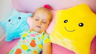 Twinkle Twinkle Little Star Song for Children Nursery Rhyme by Gaby and Alex