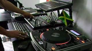DJ Chiney Jugglin LIVE - Catalog Riddim (May 2010)