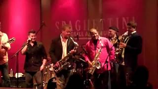 Ain't No Stoppin' Us Now - Brown, Groove, Najee & Lington (Smooth Jazz Family)